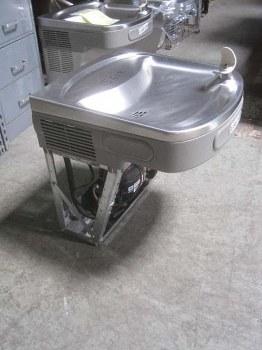 ezfs81b elkay wall mount water cooler fountain with push bar